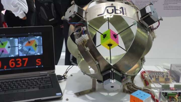 Robot Solves Rubik's Cube In Mind-Blowing 0.637 Seconds ...
