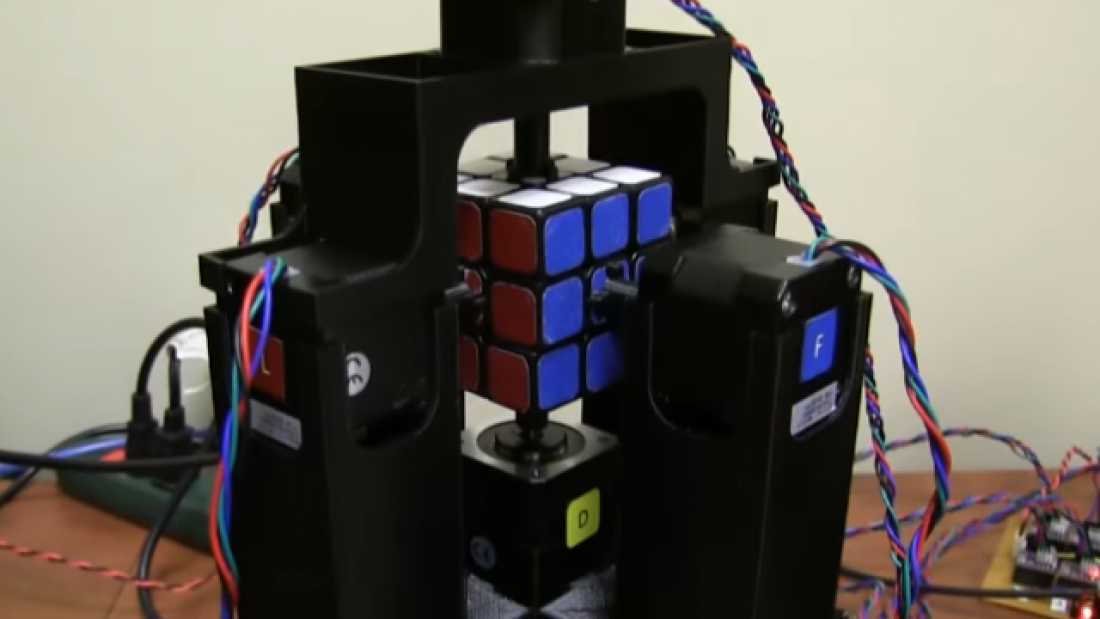 862 Watch This Robot Solve A Rubik's Cube In Just Over One Second