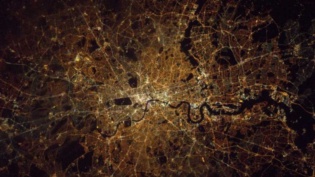 1039 Astronaut Tim Peake Tweets Amazing Photo Of London From Space