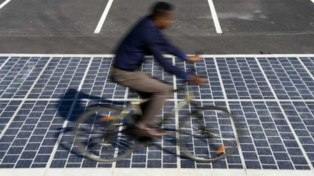 1043 France Set To Install 1000 Kilometers Of Solar-Paneled Roads By 2020