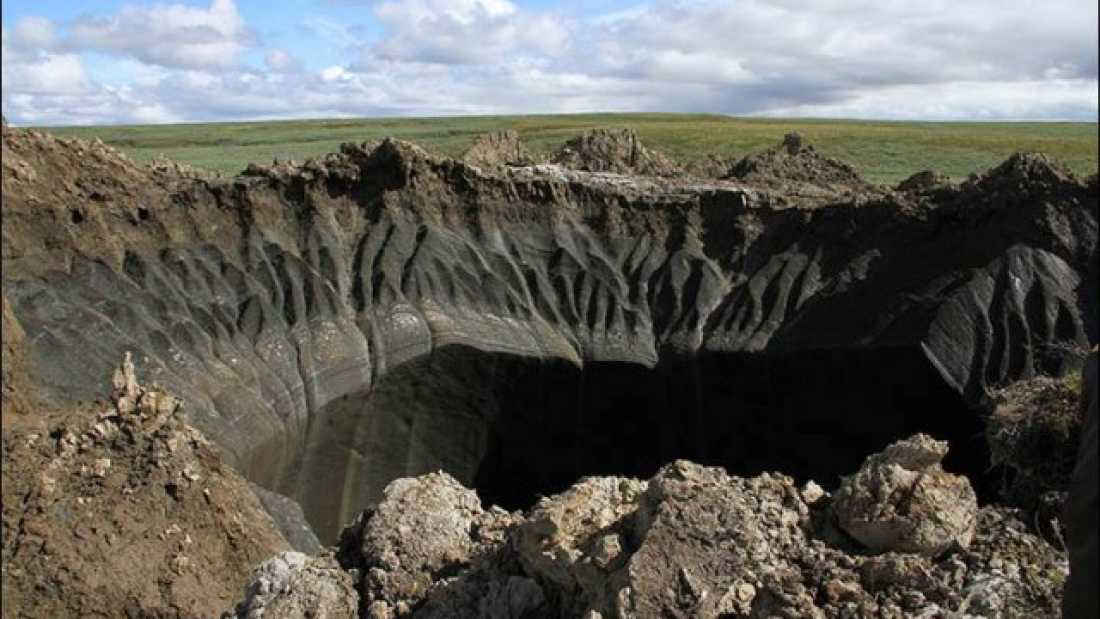 1522 Huge Crater Mysteriously Appears In Siberia
