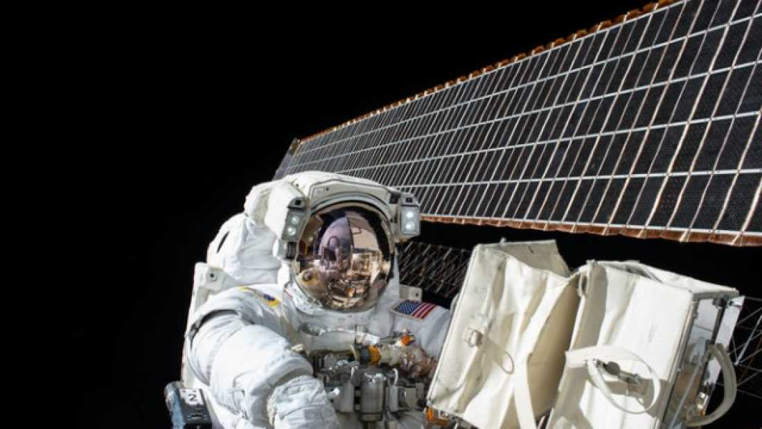 697 Five Things That Happen To Your Body In Space