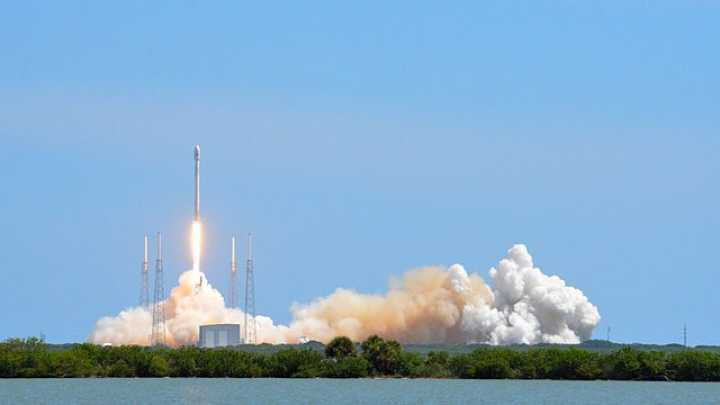 Watch The SpaceX Falcon 9 Rocket Launch Live | IFLScience