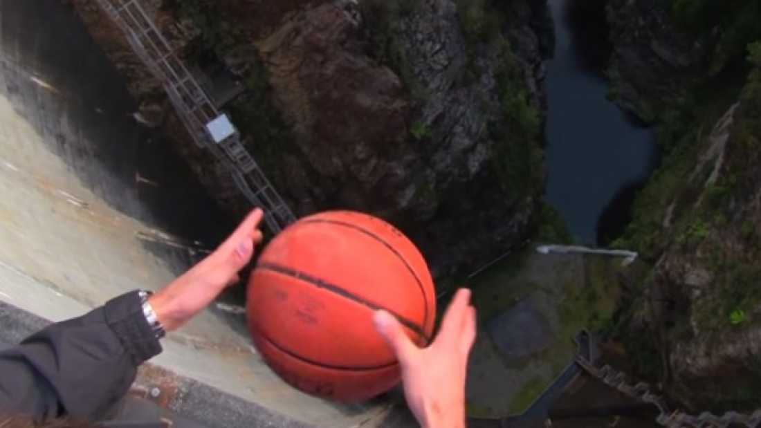 1149 Thanks To The Magnus Effect, This Basketball Does Something Pretty Weird When Dropped