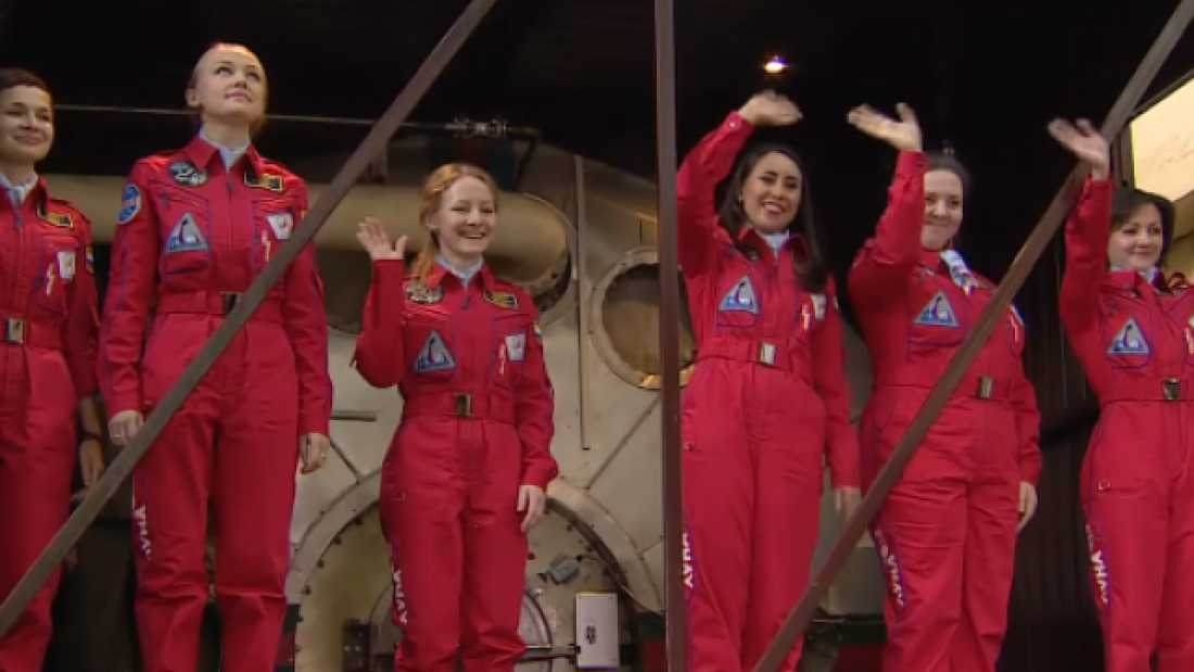3286 All-Female Flight Test Crew Asked How They Will Cope Without Make-Up Or Men In Space