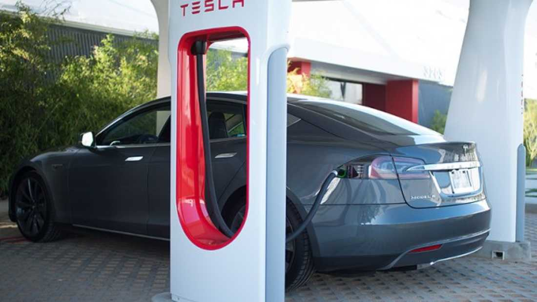 1171 Tesla May Release Patents To Encourage Supercharger Collaborators