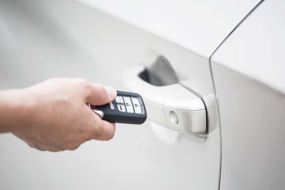 Here's Why You Should Probably Wrap Your Car Keys In Tin