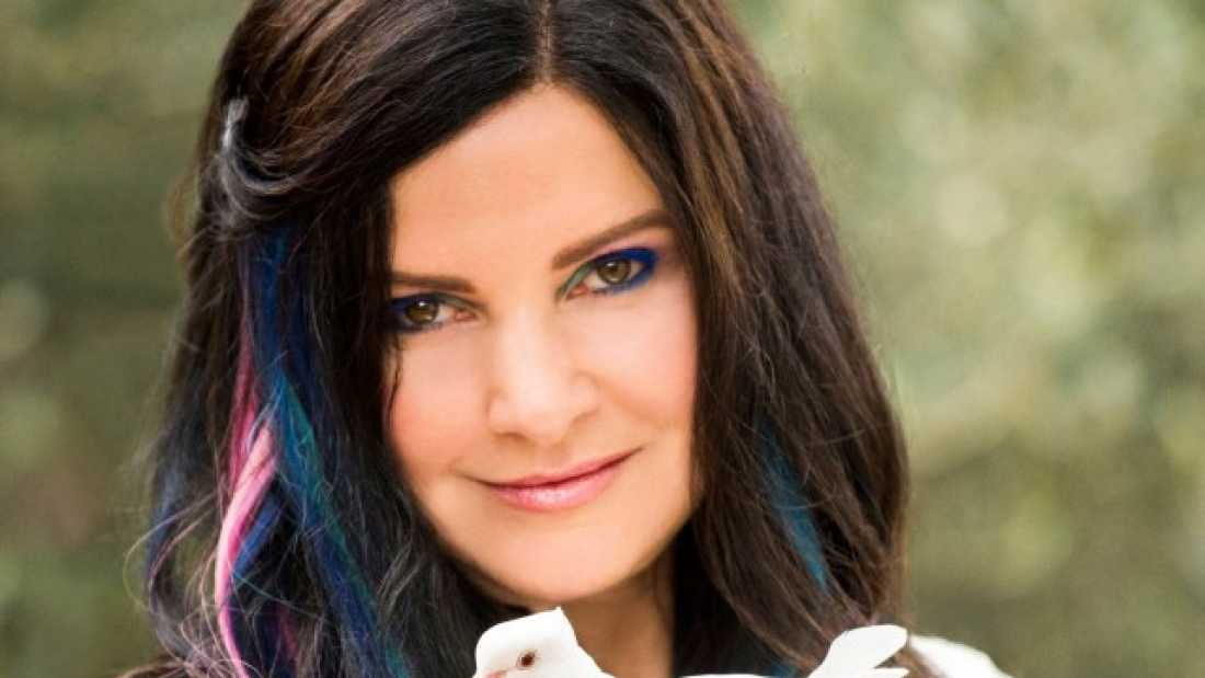 2415 Condition Called Tetrachromacy Allows This Artist To See 100 Million Colors