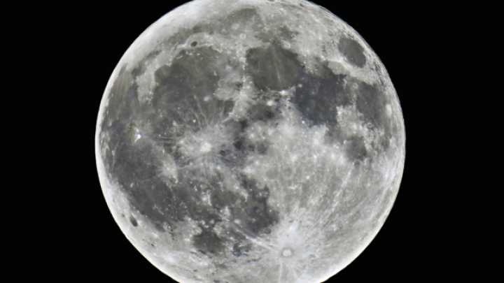 what time is the red moon visible tonight - photo #17