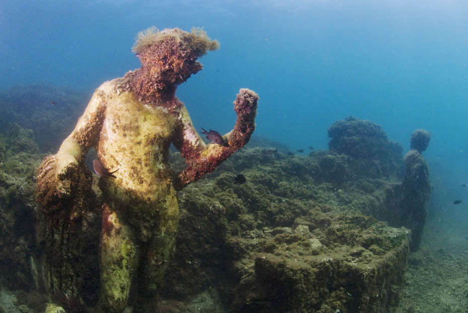 Incredible Photographs Reveal Sunken City That Was Once The - 34 incredible underwater photographs reveal nature best