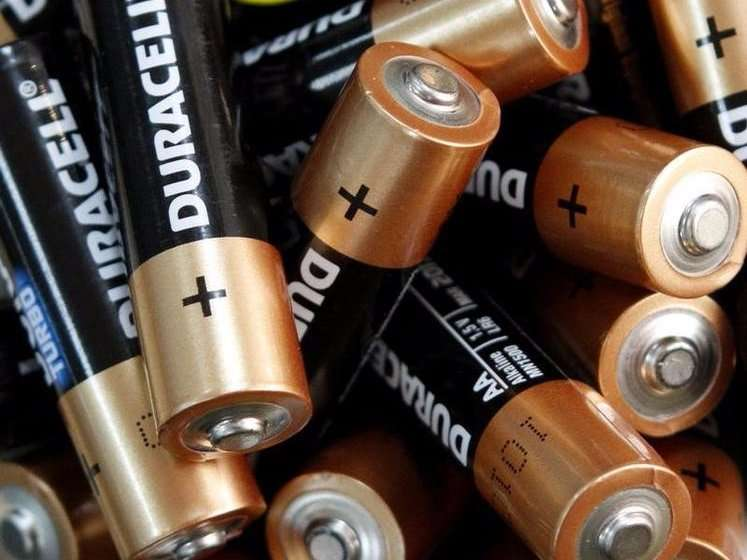 content-1470838525-4-storing-batteries-i