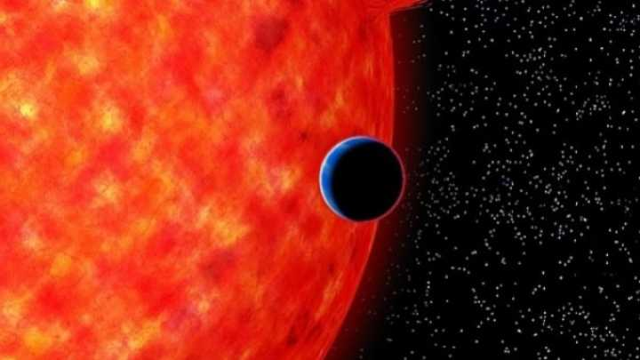 This Neptune-Sized Exoplanet Has A Blue Sky Like Earth