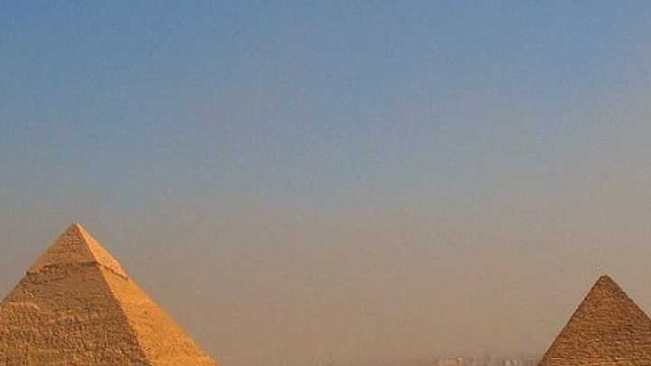Physicists Have A New Theory On How The Egyptians Built The Pyramids