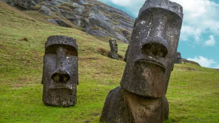 Stone Heads Easter Island Bodies