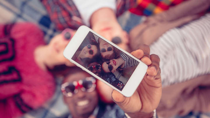 Here's The Simple Trick To Look Your Best In Selfies From Your