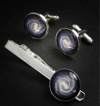 content-1511370184-milky-way-cufflinks.j