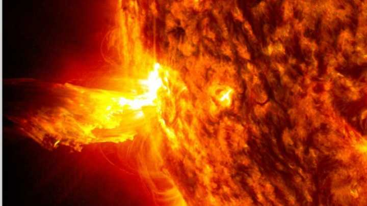 """New magnetic cycle of the Sun has begun as its magnetic field """"flips"""