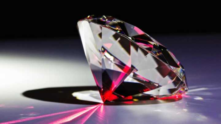 Diamond Lasers 20 Times More Powerful Than Ever Before