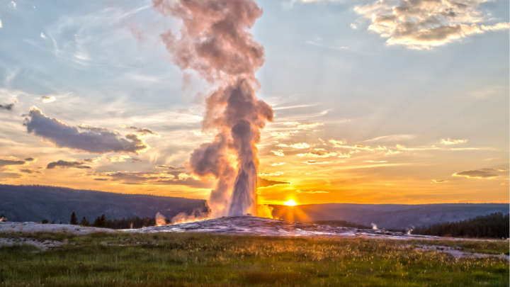 A 4.5M Quake Just Hit Yellowstone, So Should We Be Worried?